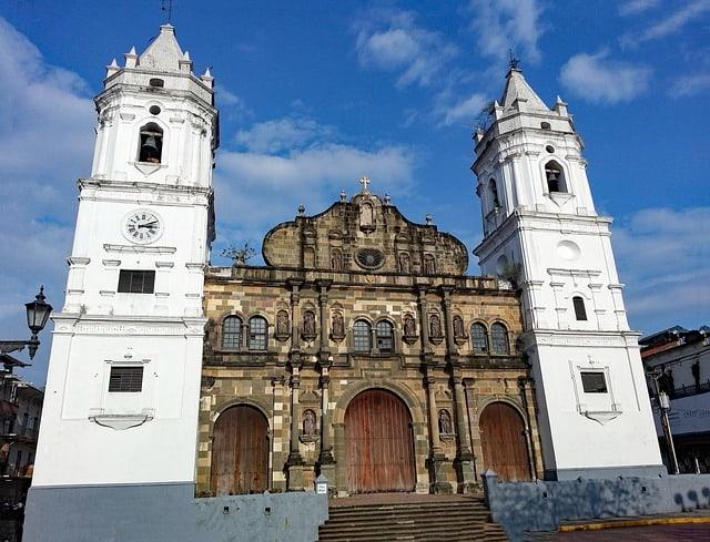 panama-city-2108147_640